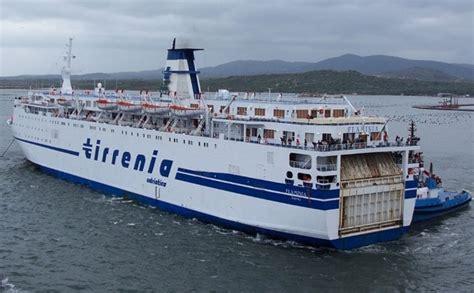 genova porto torres tirrenia liguria suicidio su traghetto tirrenia da porto torres a