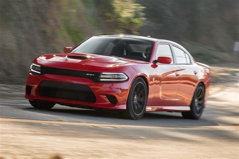 charger srt 2016 dodge charger srt hellcat update 1 motor trend