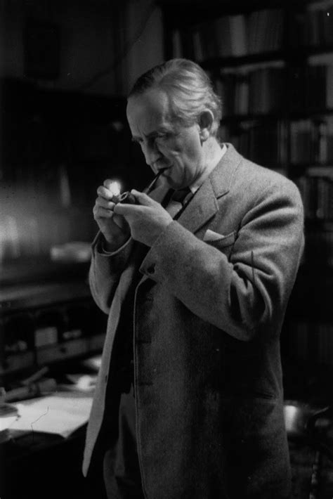 J.R. Tolkien | Tolkien, Jrr tolkien, Pôsteres de filmes