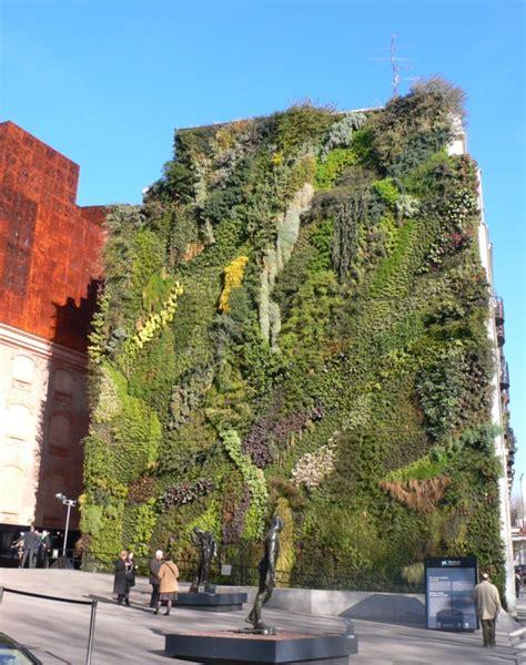 giardino verticale madrid ecologia estrema i giardini verticali jacopo fo buone
