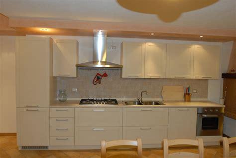 Cucina E Legno Chiaro by Interessante Cucine Moderne Legno Chiaro Kh52 Pineglen