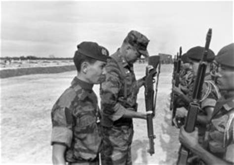 u s marines history marine advisors with the provincial reconnaissance units 1966 1970 covering program counterinsurgency pru advisors tell their stories books u s marine advisor with south soldiers