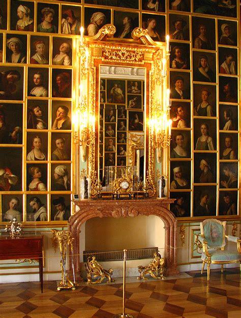 Peterhof Palace Interior Photos by File Peterhof Palace 11 Jpg Wikimedia Commons