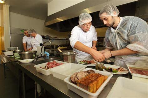 mat駻iel de cuisine collective comment g 233 rer personnel saisonnier en restauration