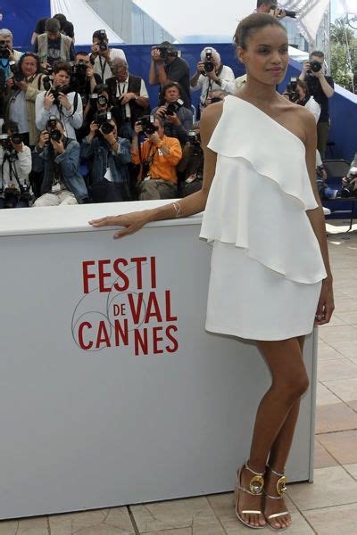 Cannes Middi Top festival de cannes robes 224 paillettes et d 233 collet 233 s mais
