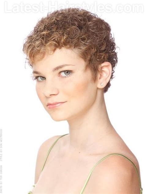 pixie cut with rods 146 best permed hairdos images on pinterest short