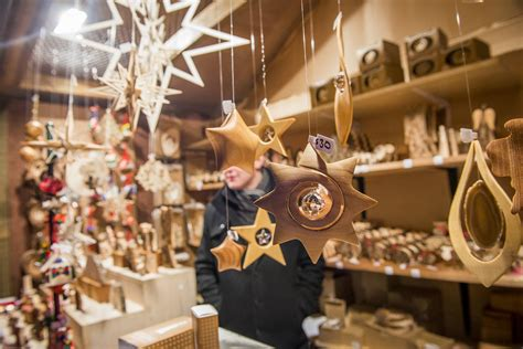 holiday craft shows and pop ups in toronto