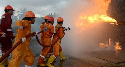 Setrika Asap lupa cabut setrika 1 rumah di bali terbakar