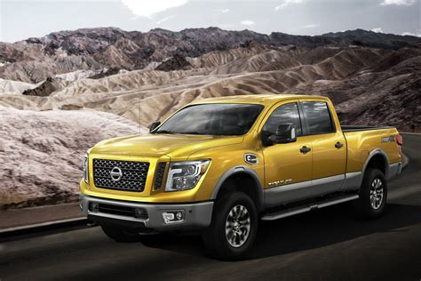 nissan titan nissan debuts v8 diesel powered 2016 titan xd in detroit