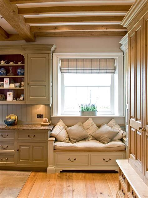 kitchen window seat ideas 25 best ideas about bay window seats on built