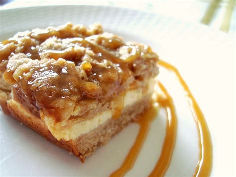 Caramel Apple Cheesecake Bars With Streusel Topping by Pin By Marilyn Fernandez On Desserts