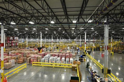 amazon opening st distribution center  eastern