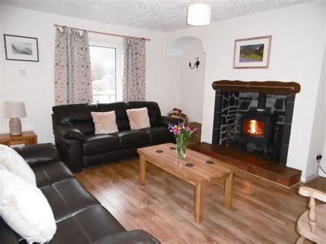 Ty Coch Cottage by Ty Coch 5 Bedroom Cottage In Snowdonia Sleeps 9 On A