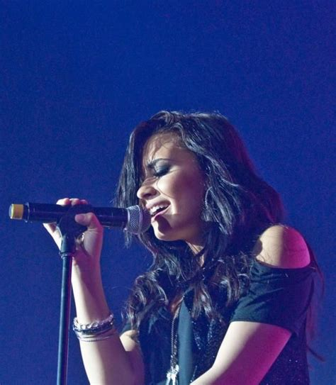 demi lovato biography stay strong demi levato pic even though i only listen to her every so