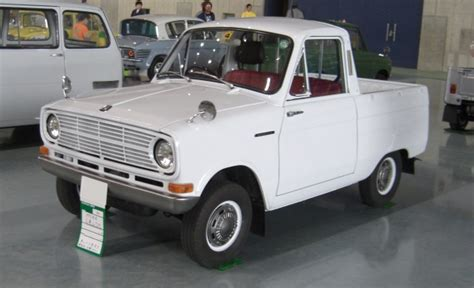 Smallest Size Truck by The Mitsubishi 360 Is The Cutest Truck In The World