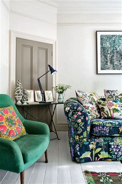 floral living room furniture 25 best ideas about floral sofa on pinterest timorous