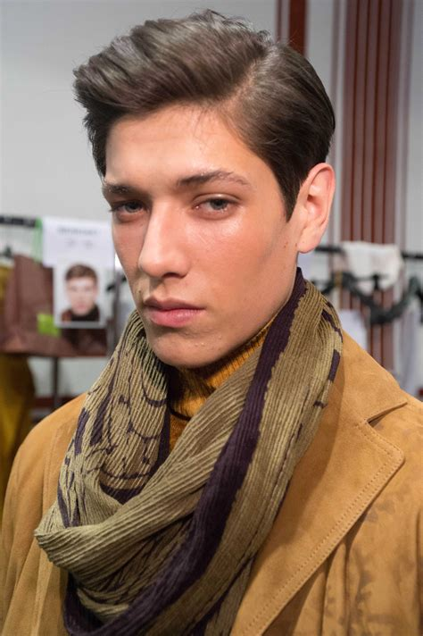 how do you ask for a comb over haircut 6 great ways to style a comb over fade