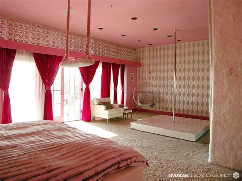 stripper pole in bedroom best 20 stripper poles ideas on pinterest