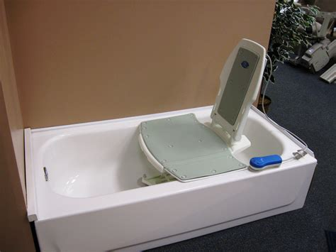 handicap bath lift chairs bathtublifts gt gt see more at http www disabledbathrooms