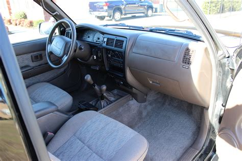 1999 Toyota Tacoma Interior by 1999 Toyota Tacoma Pictures Cargurus