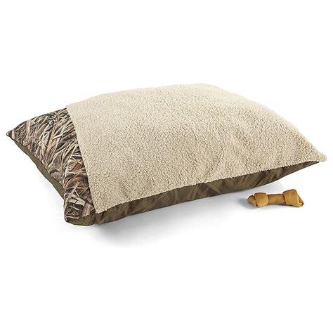 mossy oak bedding mossy oak 27 x 36 quot pet bed 617516 kennels beds at sportsman s guide