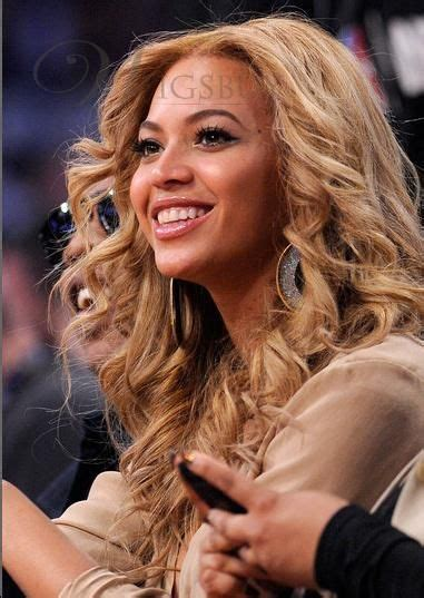 Beyonce And Wig Arrive In Melbourne by The World S Catalog Of Ideas
