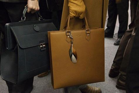 A Skewed Lonely View On Lv Runway by Bag Monday Louis Vuitton Fall 2012 S Accessories