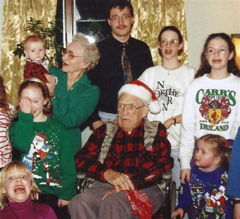 funny awkward holiday photographs  pics izismilecom