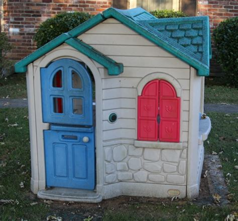 tikes playhouse yellow with roof how to paint a tikes playhouse with a paint sprayer