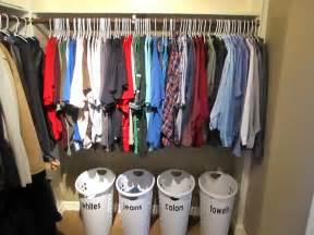 life with both hands full totally organized tuesdays how i organize my bedroom my closet organizing made