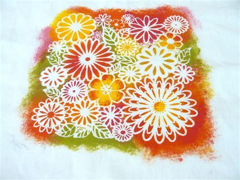 Peinture Sur Tissu Mural by Imprimez Vos Tissus Avec Des Pochoirs L Atelier D