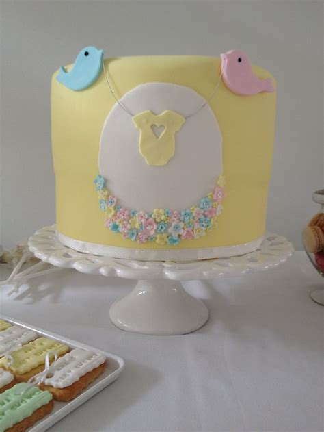 Baby Shower Cake Ideas For Unknown Gender by 296 Best Baby Shower Cakes Images On Biscuits