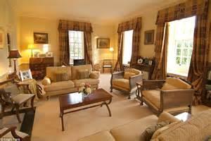 Posh Living Rooms by Cheers Gogglebox Known As The Posh Put Their Grade I Listed Mansion On The