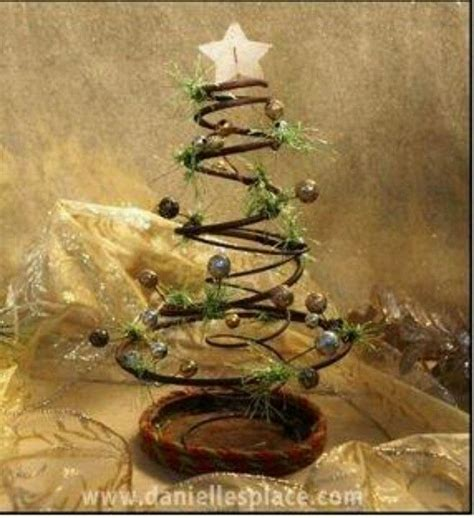 bed spring crafts rusty bed spring christmas tree christmas pinterest