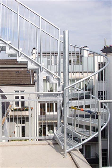 geländerhöhe treppe fluchttreppen industrietreppen spindeltreppen