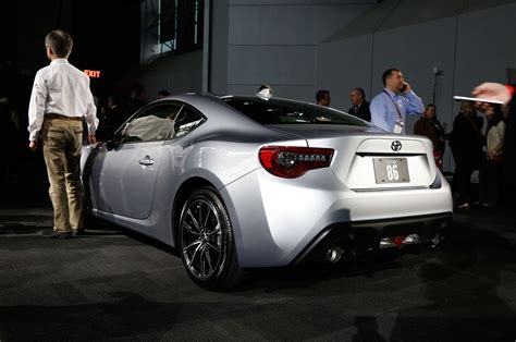 toyota car 2017 2017 toyota 86 revealed for new york the scion fr s gets
