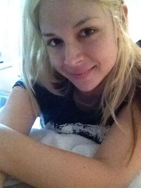 Sarahndella Selfie First Board T Shirts For Women