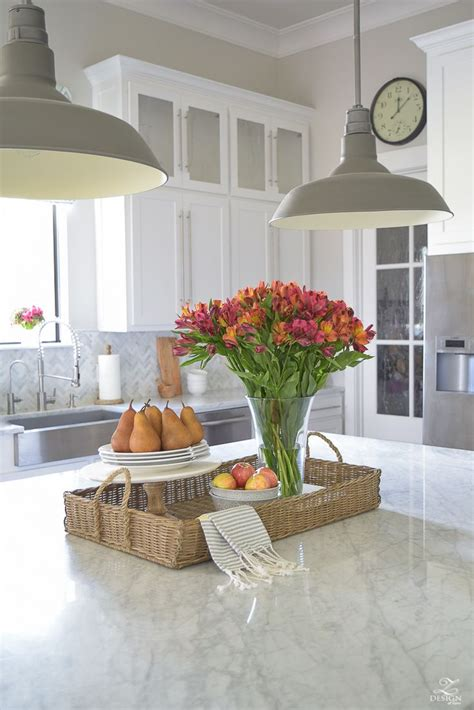 Kitchen Island Centerpieces by 17 Best Ideas About Kitchen Island Centerpiece On