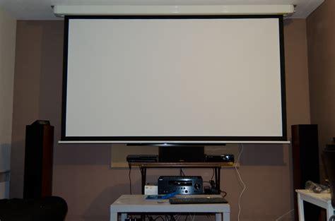 Installation Ecran Videoprojecteur ecran delphes home