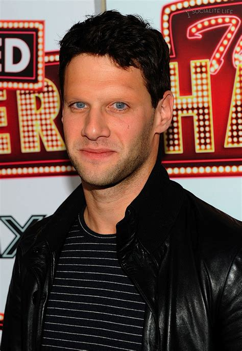 celebs  eyebrows justin bartha
