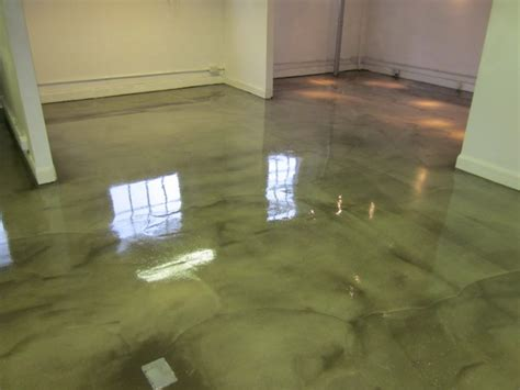 poured resin flooring compatible with underfloor heating