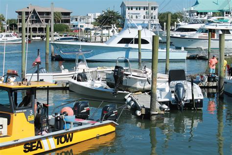 boat crash wrightsville beach photos boat goes airborne in wreck at local marina