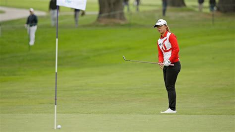 lpga swinging skirts leaderboard lpga tour lydia ko holds first round lead at swinging