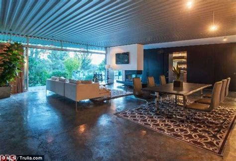 Wilson Bathrooms Zac Efron Is Selling Hollywood Hills Party Pad For 2 85
