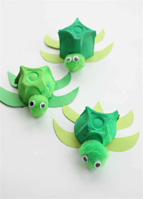 Paper Craft Ornaments - the absolutely cutest egg turtles