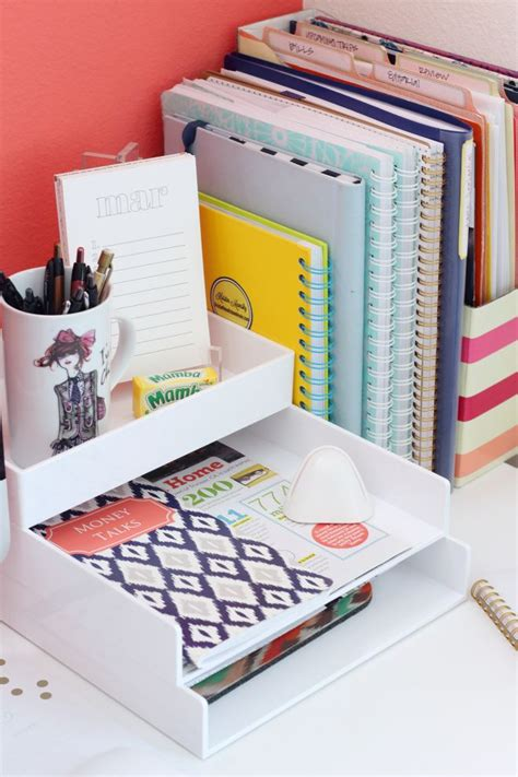 All Kinds Of Cute Yet Simple Desk And Office Organizing Organizing An Office Desk