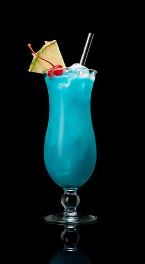 Liquid Hawaiian Cocktal blue hawaiian drink cocktail recipe captain white rum