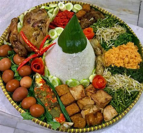 Ayam Hias Unik Dan Cantik inilah nasi tumpeng putih yang menggugah selera