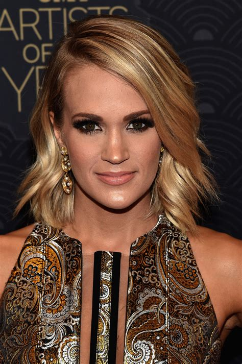 Carrie Underwood Hairstyle by Carrie Underwood Medium Wavy Cut Shoulder Length