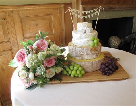 Wedding Cakes Made Of Cheese by Top 10 Wedding Cake Alternatives My Wedding